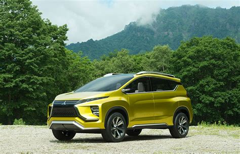 mitsubishi expander giias mitsubishi unveils the expander mpv ahead of giias launch