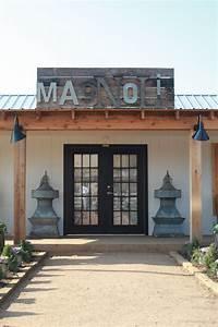 Magnolia Fixer Upper : our trip to magnolia market in waco tx run to radiance ~ Orissabook.com Haus und Dekorationen