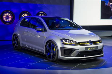 Vw R 400 by Vw Golf R400 Concept Does 0 62 In 4 Seconds