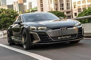 Audi E Tron Gt : audi e tron gt concept 2018 first drive of electric sports saloon autocar ~ Medecine-chirurgie-esthetiques.com Avis de Voitures