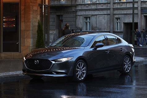 The mazda3 (known as the mazda axela in japan (first three generations), a combination of accelerate and excellent) is a compact car manufactured in japan by mazda. Mazda3 セダン | マツダ、新型『Mazda3(アクセラ)』を世界初公開。2019年初頭から順次販売開始への ...