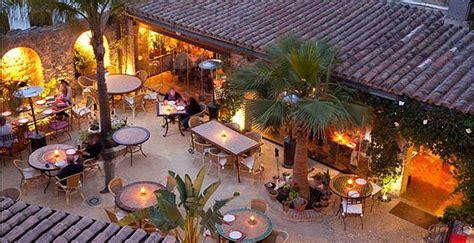 establecimiento restaurante el jardin del califa en