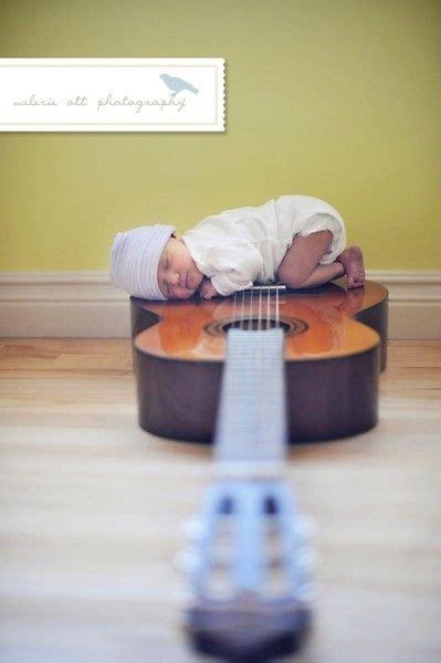 baby guitar