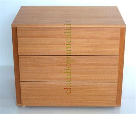 piccole cassettiere in legno cassetto e cassetiera settimino incasso e non