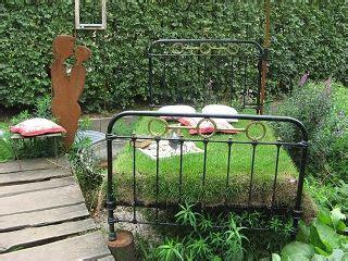 bett für garten ein bett im garten g 228 rtnerei picker borken gartenideen bepflanzte objekte garten