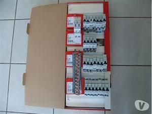 Tableau électrique Triphasé Legrand : tableau electrique legrand clasf ~ Edinachiropracticcenter.com Idées de Décoration