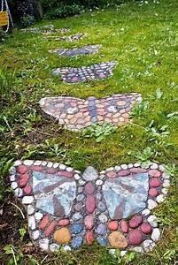 23 Diy Stepping Stones To Brighten Any Garden Walk