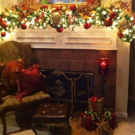 mantle garland with lights christmas mantle decor love how full the garland is and