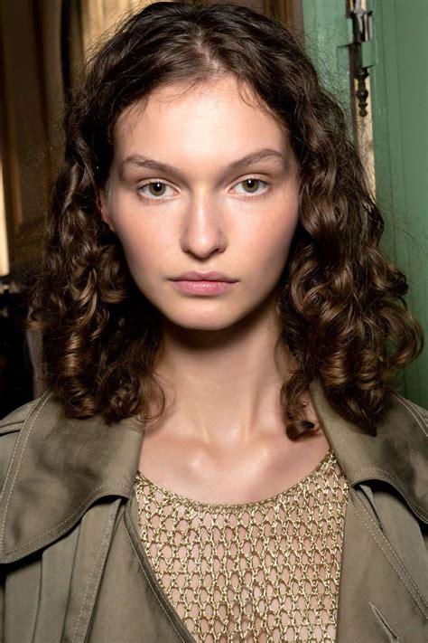 Cortes de pelo de moda 2020 que quedan bien con pelo liso