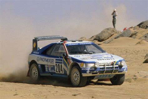 Peugeot 405 Turbo 16 – climb dancer and desert warrior