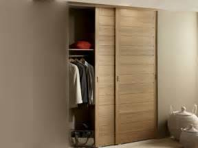 Armoire De Garage Leroy Merlin by 25 Best Ideas About Porte Placard Coulissante On