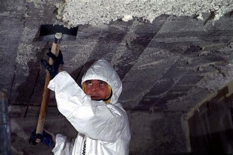 asbestos  slipping  australian customs officials