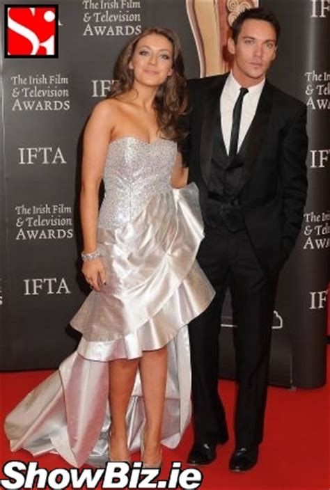 sarah bolger jonathan rhys meyers showbiz ireland the iftas redcarpet 2010