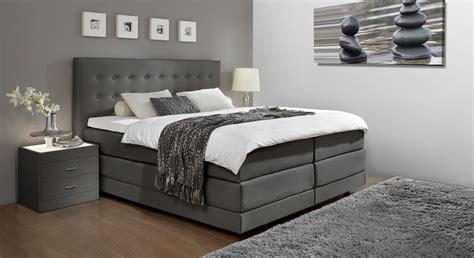 schlafzimmer ideen mit schwarzem bett schlafzimmer ideen schwarzes bett wohndesign