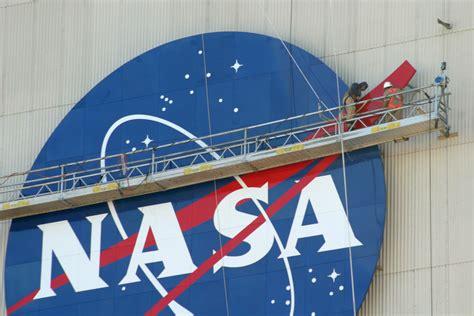 NASA - NASA Logo Returns to New Orleans Skyline at Michoud ...