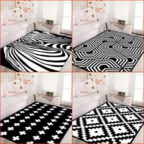 Tappeti Moderni Bianchi tappeti neri e bianchi idee di immagini di casamia
