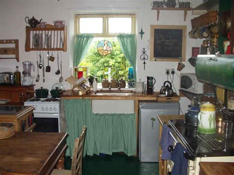 how to decorate a green kitchen country kitchen ideas deductour 8602