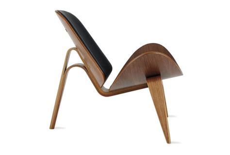 shell chair by hans j wegner