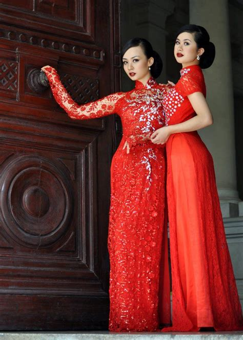 modern ao dai traditional vietnamese costumes