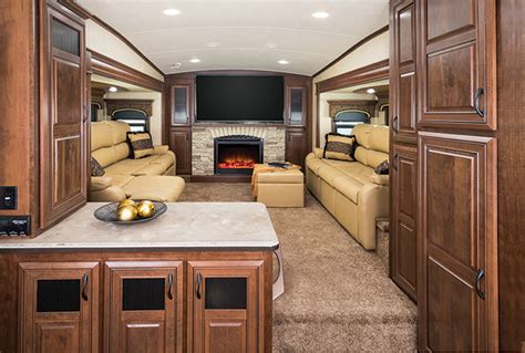 3 bedroom 5th wheel the trend in fifth wheels brings the lounge