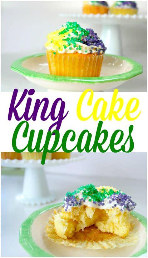 king cake cupcakes perfect  epiphany  mardi gras