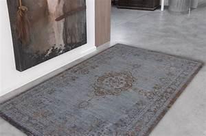 Louis De Poortere : louis de poortere fading world medallion grey ebony tapijt online tapijten ~ Frokenaadalensverden.com Haus und Dekorationen