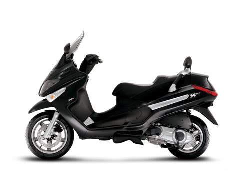 piaggio scooter pictures   evolution