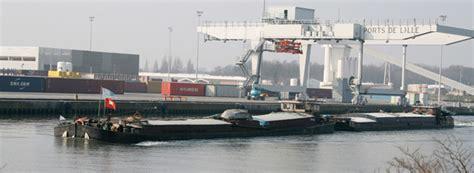 transport fluvial de marchandises vers un approvisionnement des centre villes