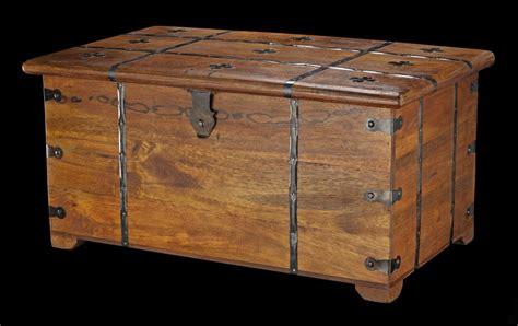 Mittelalterliche Holz Truhe Mit Kassettendeckel Und