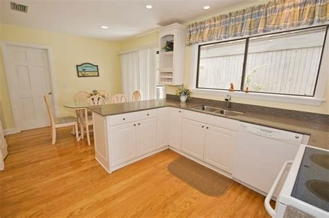 kitchens with an island 39 stoney creek vacation rental home the sea pines 6599