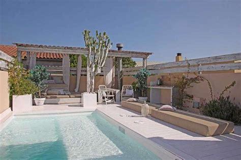 hotel barcelone avec dans la chambre luxueuse maison avec piscine à louer dans barcelone