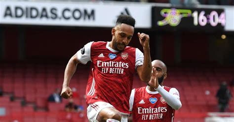 Arsenal's Aubameyang makes Shearer's Premier League Team ...