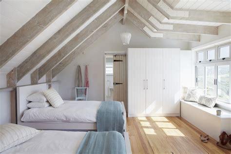dormitorio abuhardillado refugio  encanto westwing