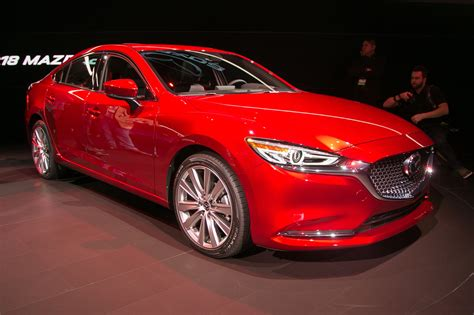2018 mazda6 mazda s midsizer gets a refresh and a new engine motor trend canada