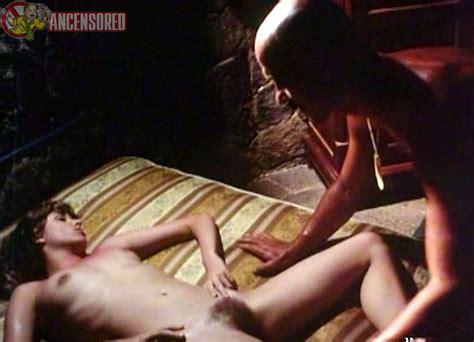 Nackte Olivia Pascal In Die Insel Der Tausend Freuden