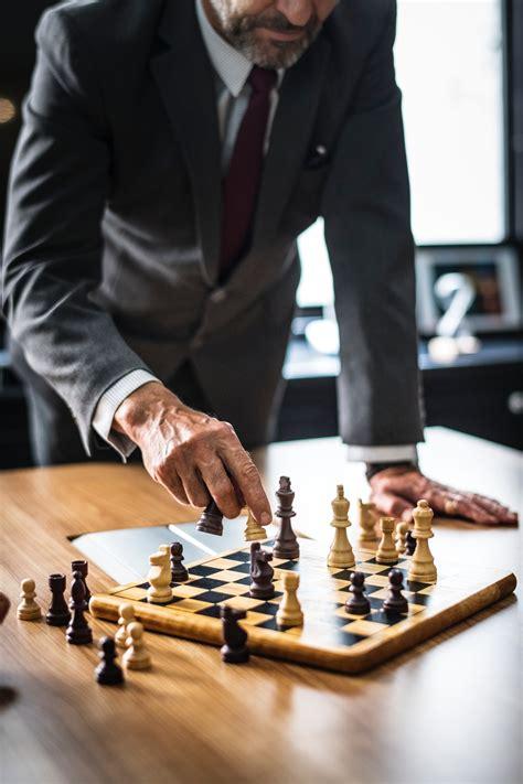 building   leader leadership traits  foster