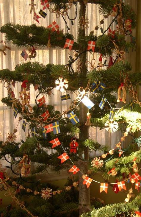 scandinavian christmas trees ideas  pinterest