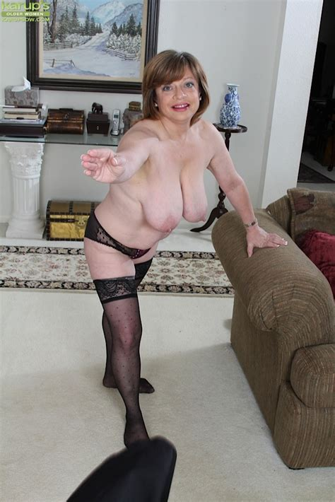 Thick Older Woman Kathy Gilbert Exposing Large Boobs In