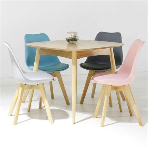 table de jardin et chaises chaise scandinave loumi bleu