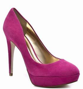 ADDICTIONS OF A FASHION JUNKIE HOW TO WEAR Neon Pink Pumps