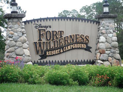 wilderness fort disney resort walt campground campsites cabins travel sign campsite entrance disneys wdw florida