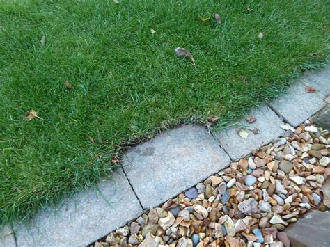 Can Anyone Recommend A Good Lawn Edging Tool?