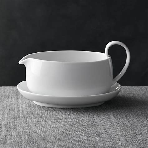 Gravy Boat Crate And Barrel by Best 25 Boating Gifts Ideas On Boat