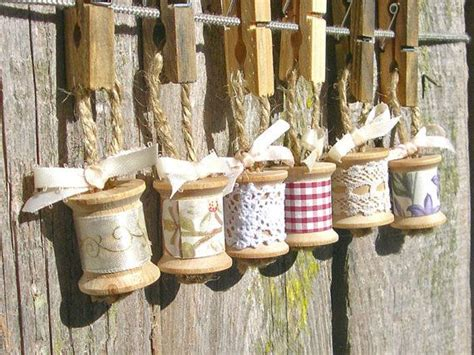35 rustic diy christmas ornaments ideas - Simple Country Christmas Decorating Ideas