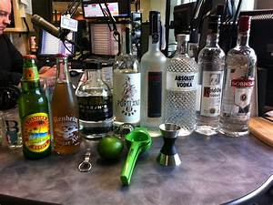 Moscow Mule Gin : vodka and the moscow mule drink spirits happy hour radio drink spirits ~ Orissabook.com Haus und Dekorationen