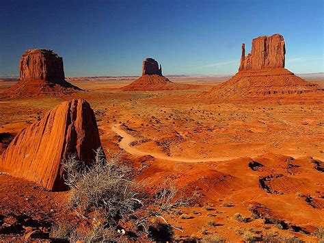 picture monument valley towers