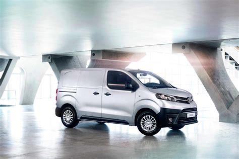 York Toyota by New Proace Models Features Vantage Toyota York