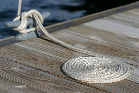 Big Boat Rope by How To Anchor Your Boat With Rope Quality Rope