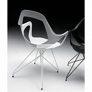 Chaise Design Metal : chaise design dafne avec pied tour eiffel par metalmobil ~ Teatrodelosmanantiales.com Idées de Décoration
