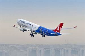 Turkish Airlines' Euro 2016 Plane Goes to Paris - GTP ...
